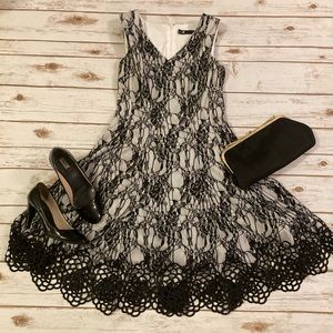 Leslie Fay Black Lace Sleeveless Dress 6